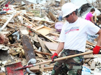 Aiding disaster victims in Moore