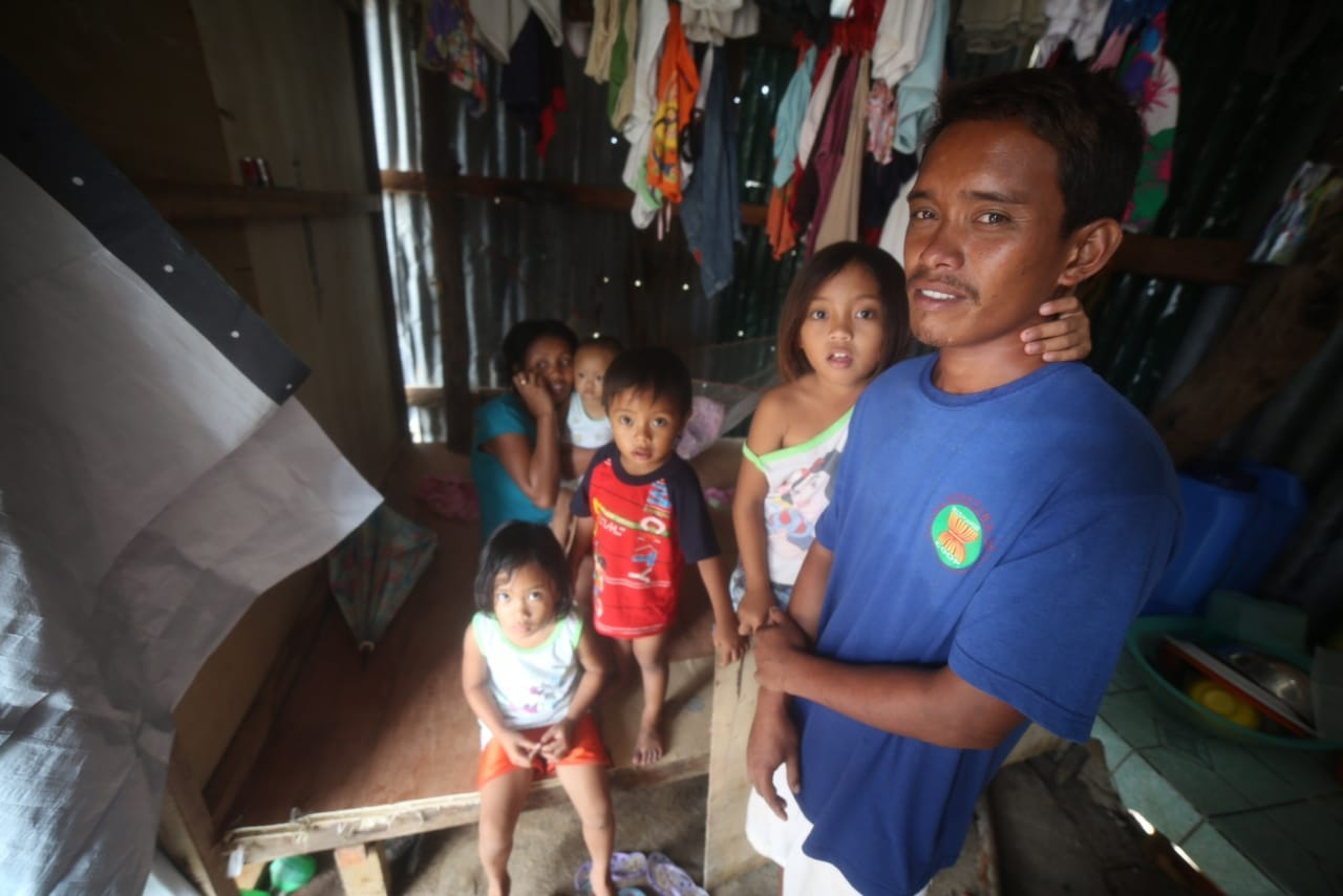 Waldo's family in the Philippines