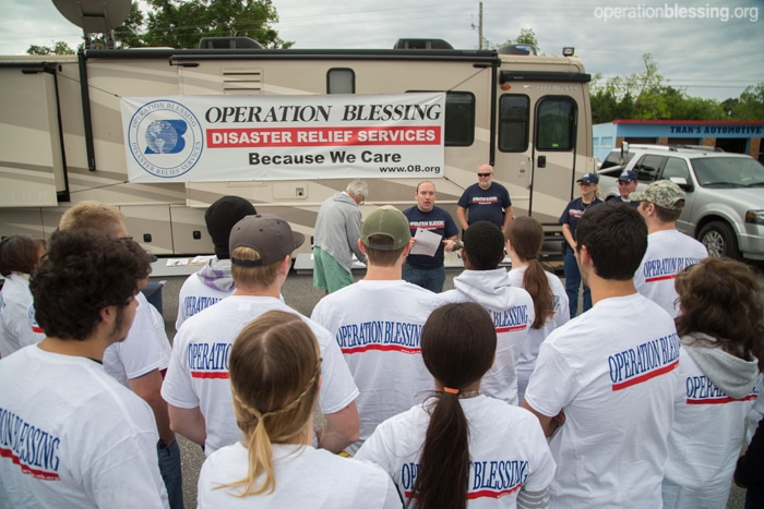 Operation Blessing volunteers