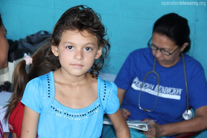 A free clinic in El Salvador is able to provide medicine free of charge thanks to its partnership with Operation Blessing