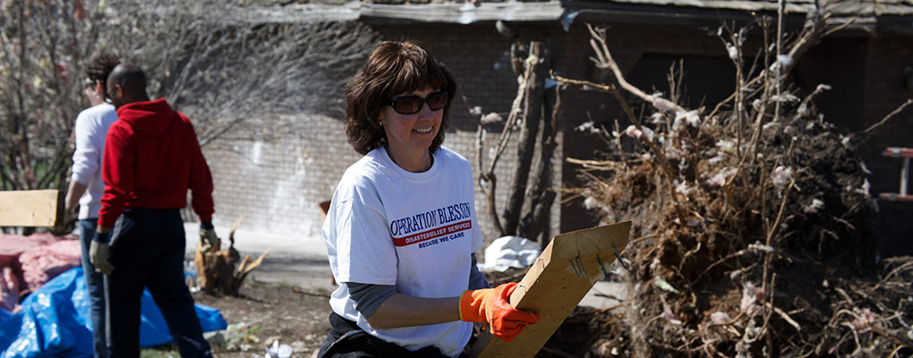 Help tornado victims in Illinois