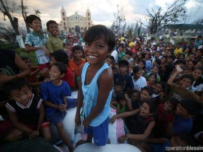 Food, Medicine for Typhoon Haiyan Victims
