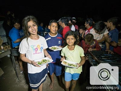 Hurricane Patricia Victims Eat a Hot Meal