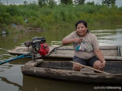 Water taxiing helped Rocio provide for her kids, but this old boat needed repairs.