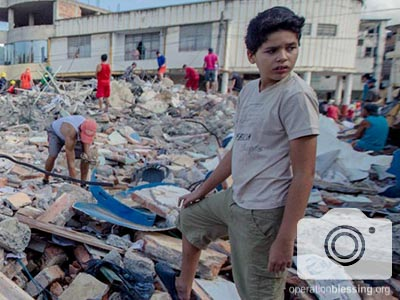 A boy stands at the epicenter of the deadly earthquake that struck Ecuador.