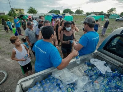 Operation Blessing teams distribute drinking water after Ecuador earthquake