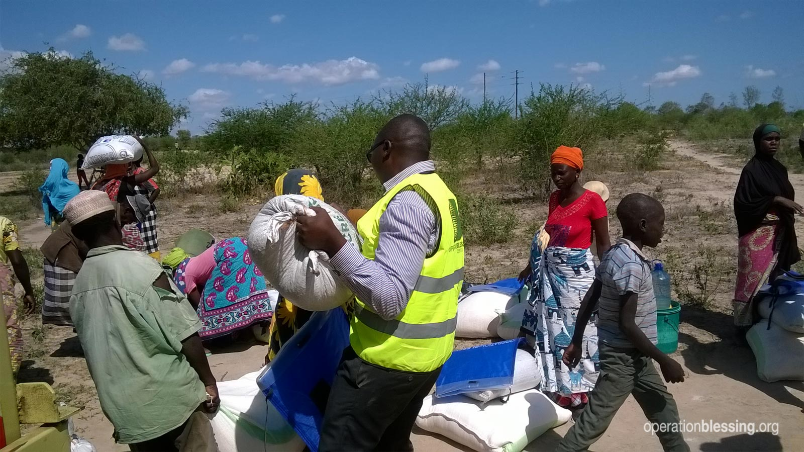 Families in Kilifi receive help from Operation Blessing.