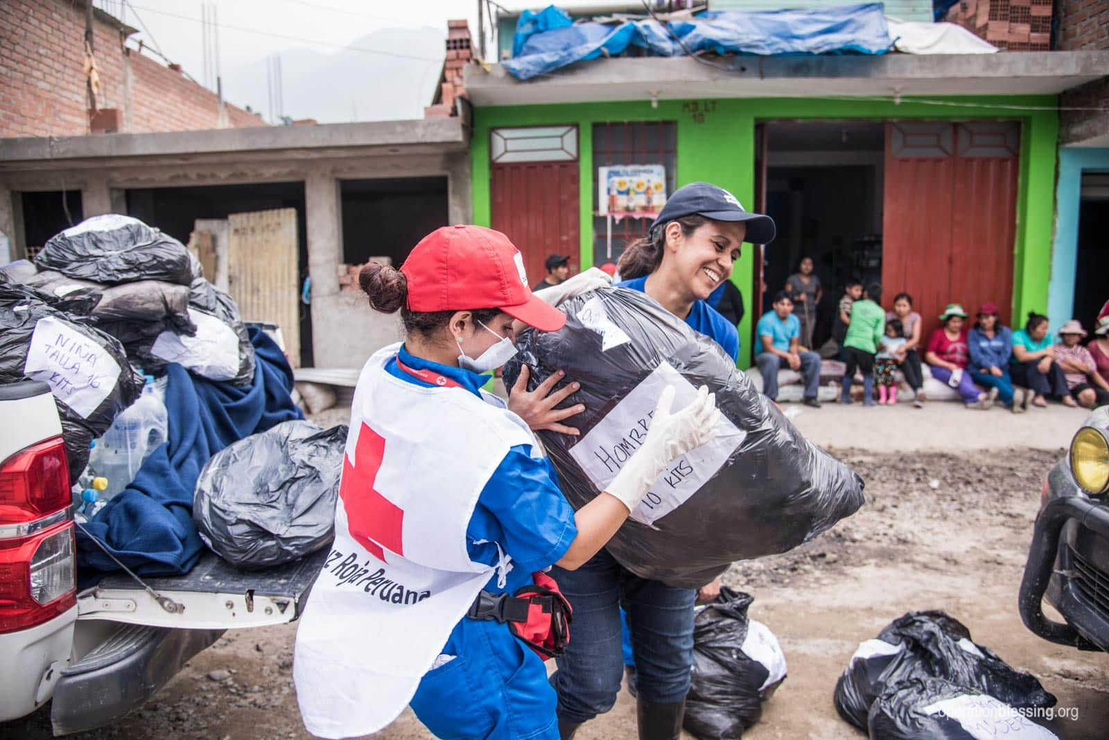 OB Peru and partners distribute relief.