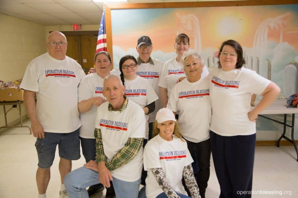 The Operation Blessing volunteer team at Portsmouth Friends First.