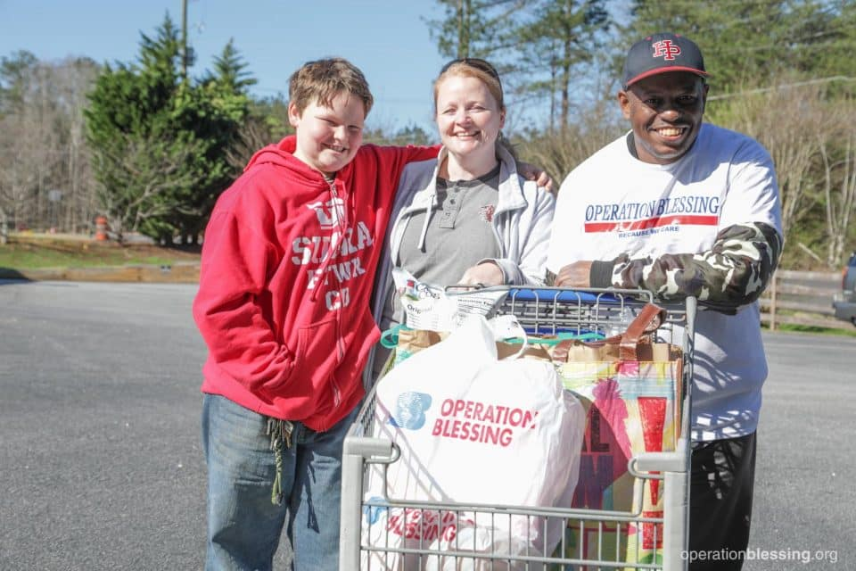 Danielle and Jonathan receive groceries from Warehouse of Hope.