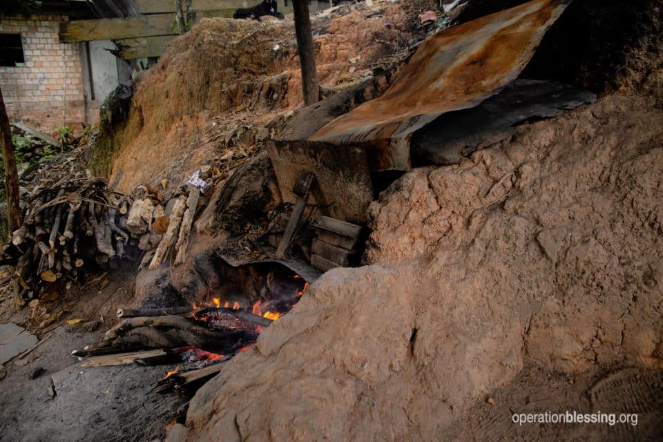 Juana's old dangerous pottery oven in the Peruvian Amazon.
