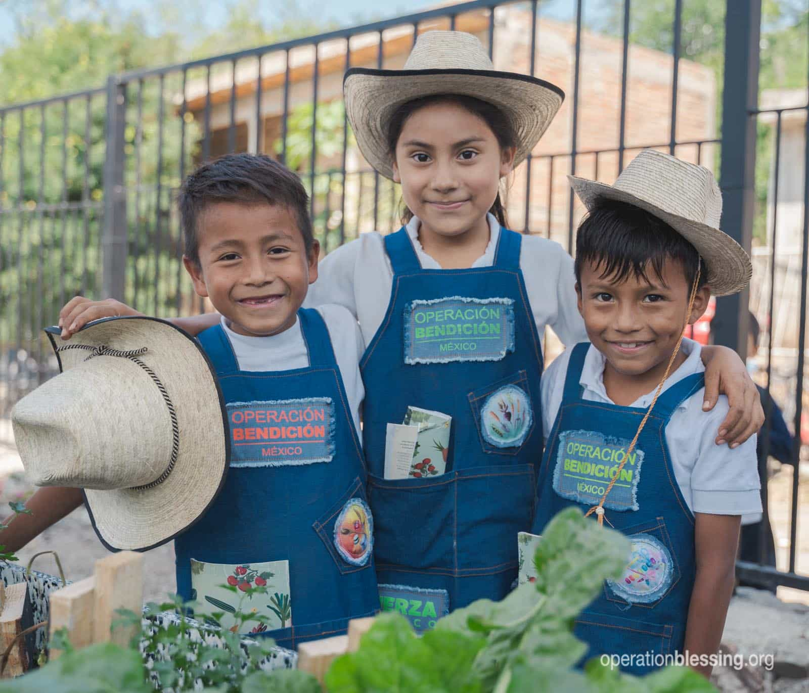 Mexican school children have healthy vegetables and clean water thanks to OB friends.